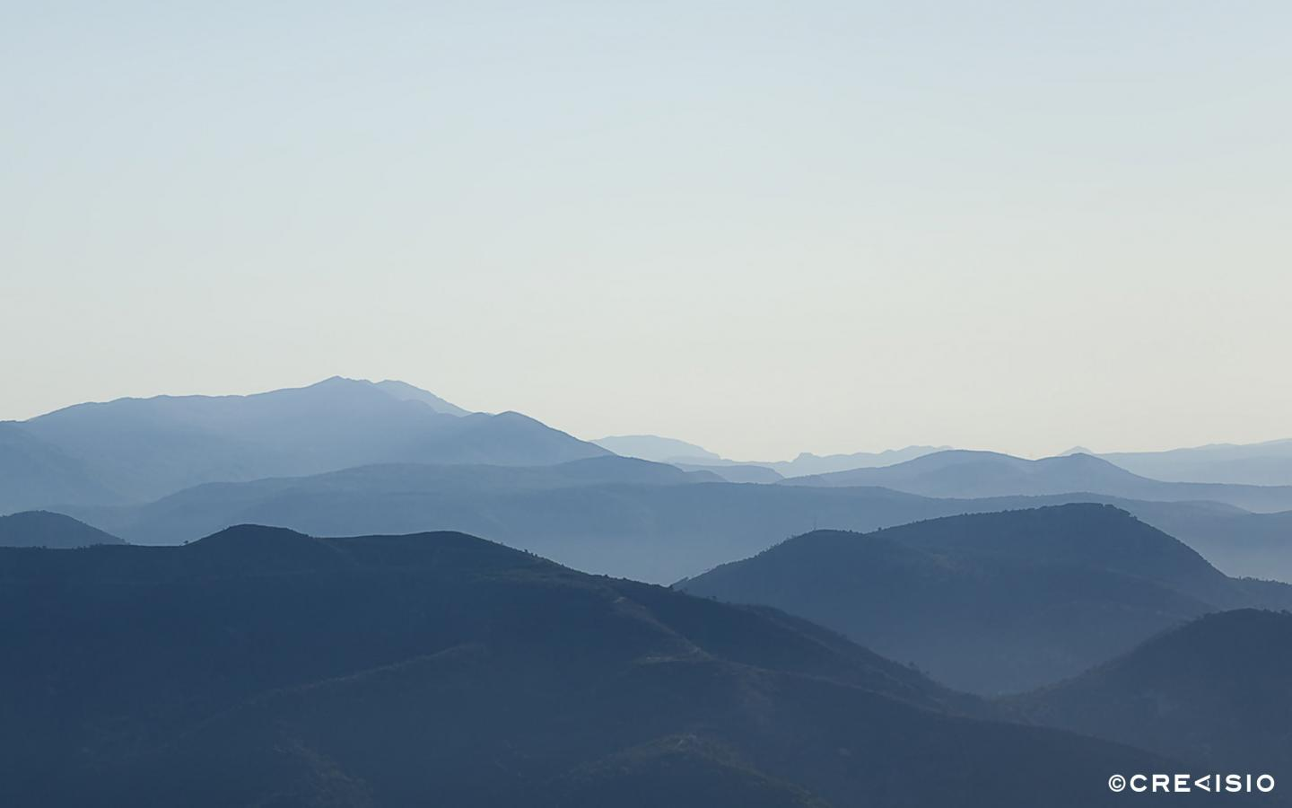 Mountain Horizon by Crevisio